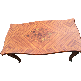 French wooden coffee table with flowery inlaid designs