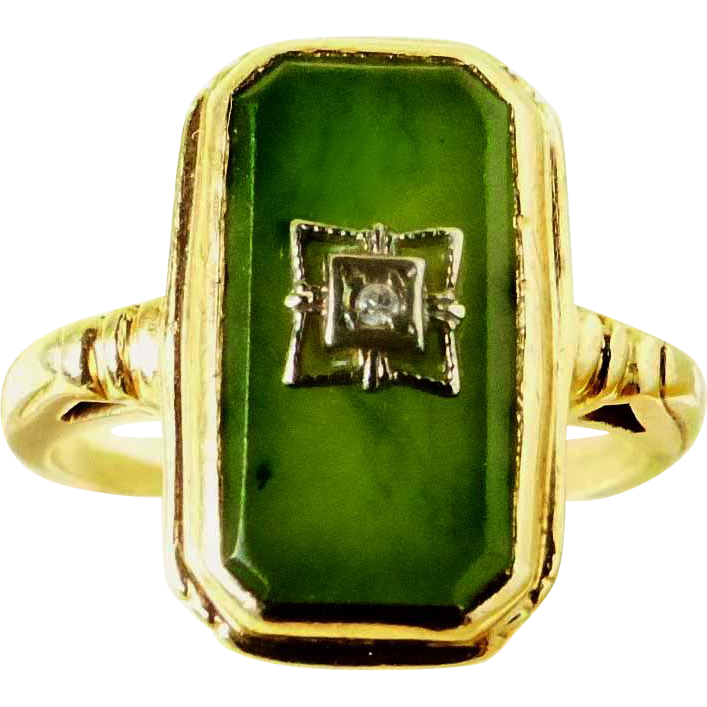 Nephrite Green Jade Art Deco 10 K Lady's Ring with Diamond