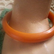 SUNNING Vintage BAKELITE Bangle Sleek Art Deco Style