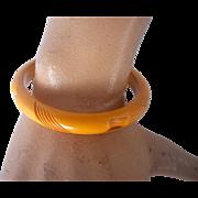 Vintage BAKELITE Bangle Carved Deeply Cream Corn Bakelite
