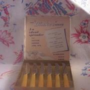 Vintage BAKELITE Kitchenware DINKEE Knives Set of 6 Mint in Box!