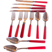 Vintage Bakelite Kitchenware Flatware Mixed Grouping Red Bakelite, Forks, Knives, Tablespoons