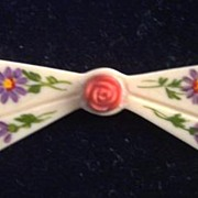 CHARMING Vintage CELLULOID Brooch Bow Painted Floral Motif Molded Center Flower