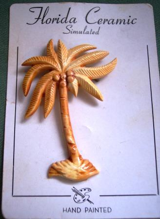CHARMING Vintage Plastic Palm Tree Brooch - Handpainted - Original Card!