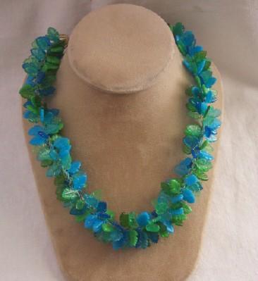 FUN Vintage PLASTIC Necklace Choker Necklace Leaf Motif