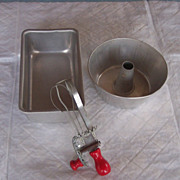 ADORABLE Vintage Child's Play Bakeware Set Aluminum