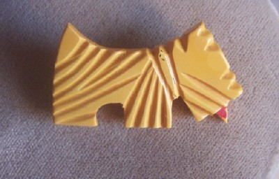 Adorable Vintage BAKELITE Scottie Dog Brooch Carved Deeply