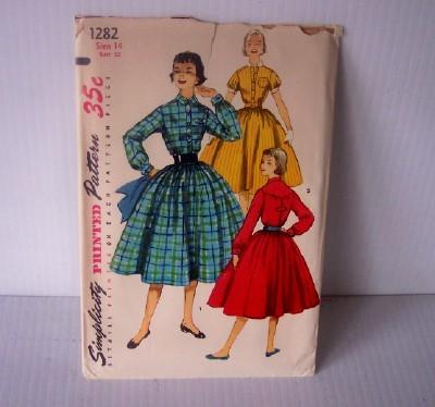 Vintage SIMPLICITY Pattern Uncut #1282 Shirtwaist Dress, Circa 1950's