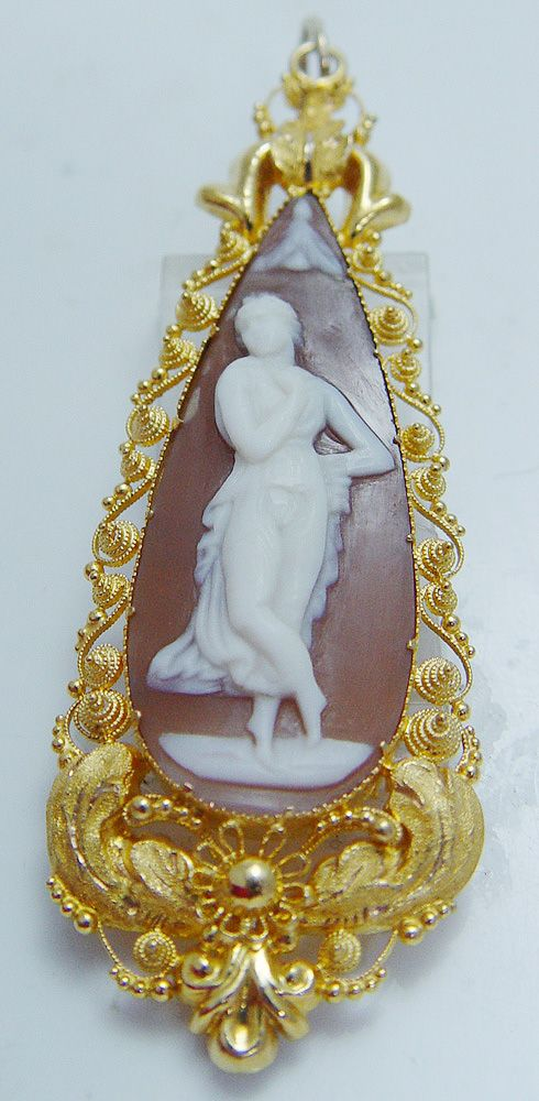 Antique 22K Yellow Gold Shell Woman Cameo Pendant for Necklace Vintage Jewelry