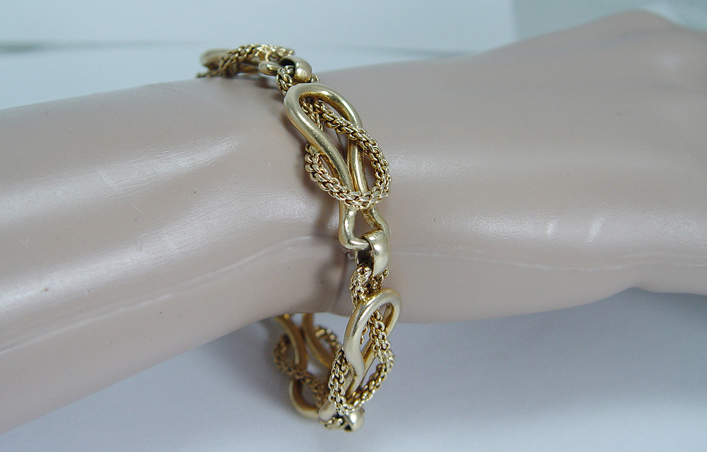 Vintage Designer Jewelry 18K Yellow Gold Authentic Cartier