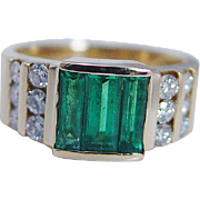 Estate 18K Yellow Gold Colombian Emerald Diamond Ring Band