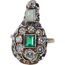 Antique Georgian 14K Gold Colombian Emerald Miner Diamonds Opal Ring c.1820s