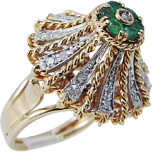 Vintage 18K Yellow Gold Emerald Diamonds High Setting Cocktail Ring