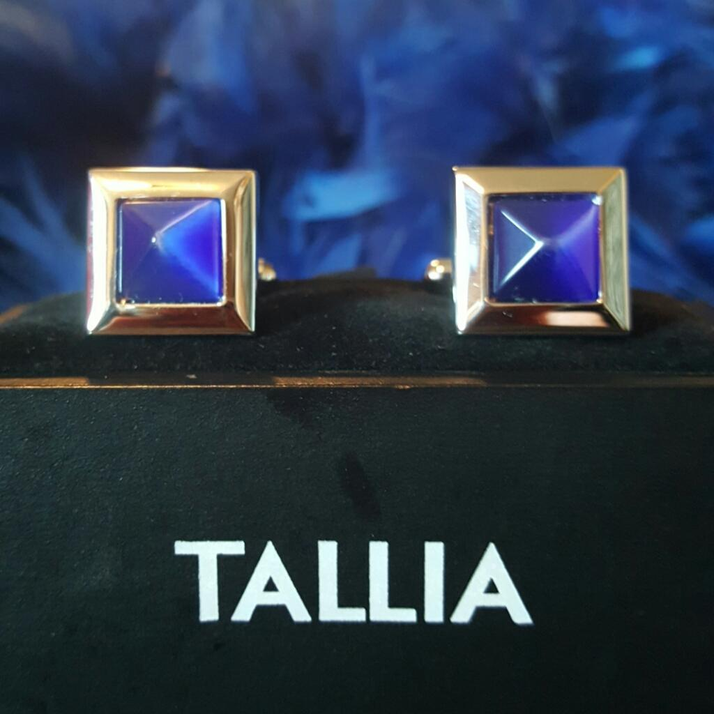 TALLIA~Made In Italy~Beautiful Silvertone Blue Lapis Like Mens Cufflinks