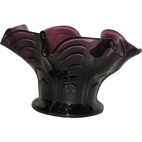 Dugan, Amethyst, Pulled Loop Mid-Size Squat Vase
