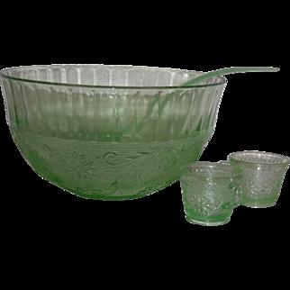 Tiara, Chantilly Green, Sandwich Pattern, 14 Pc. Punch Bowl Set