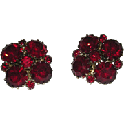 Pair, Weiss, Ruby Red, Clip On Earrings