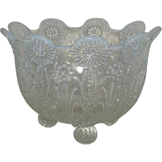 Northwood, White Opalescent, Pearl Flowers Nut Bowl