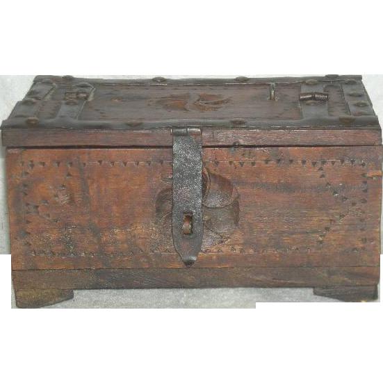Hand Made, Tramp Art/Folk Art Wooden Box