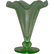 Fenton #573, Florentine Green, Rib Optic Stretch Glass Vase