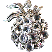 Lovely Vintage Rhinestone Apple Brooch