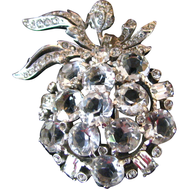 Lovely Vintage Rhinestone Apple Brooch