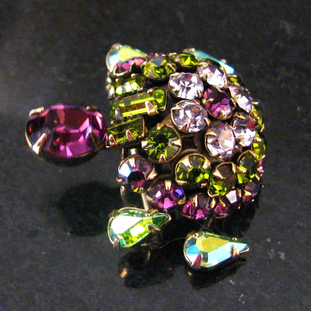 Lovely Vintage Schreiner Trembling Turtle Brooch