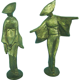 Vintage Mid Century Modern Bronze Pair of Japanese Geisha Girl Statues Figurines