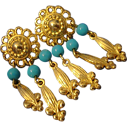 VINTAGE FLEUR DES LIS Dangle post earrings in gold tone with turquoise beads