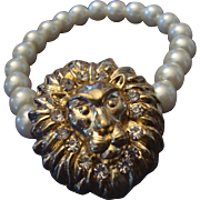 VINTAGE FAUX pearl stretch bracelet with gold tone lion and RHINESTONES
