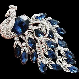 VINTAGE HUGE beautiful peacock pin/brooch with sapphire rhinestones