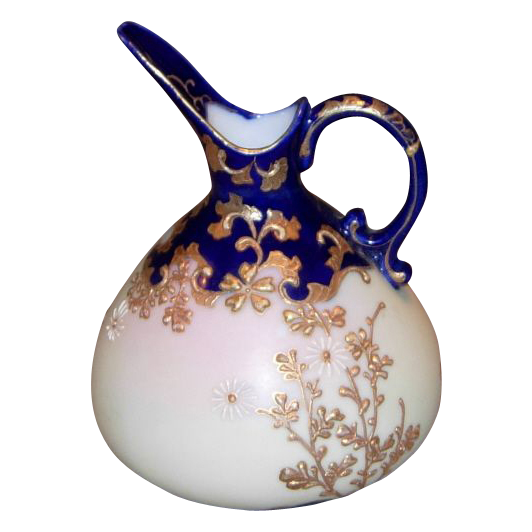 Vintage Custard Glass Ewer/Pitcher