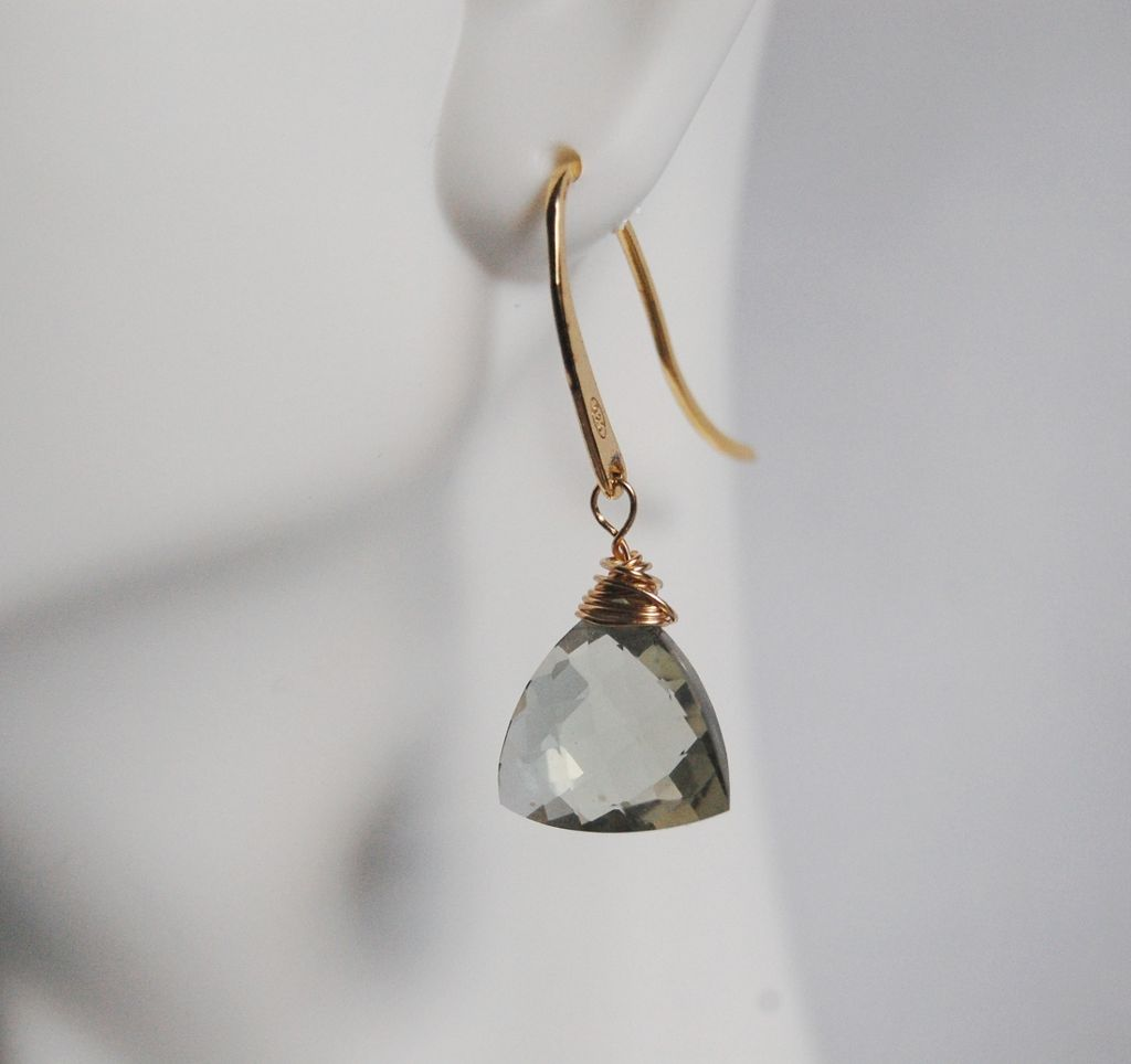 GREEN AMETHYST Quartz Faceted TRILLION Shaped dangle Earrings