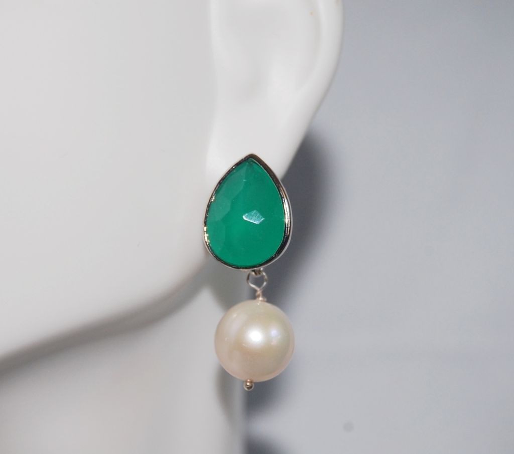 Green glass drop and Fresh water pearl Earrings