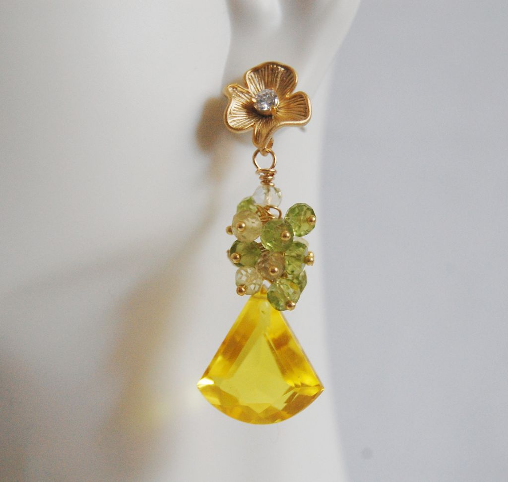 Yellow Quartz Gemstone Cluster Dangle Earrings -Bright Yellow quartz and peridot cluster dangle earrings
