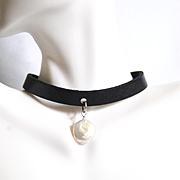 Genuine Leather Choker Necklace With Cultured Fresh Water  Pearl- Choker Necklace- Leather Necklace - Leather Jewelry-Collar-Fresh WaterPearl Choker necklace-Pearl Necklace