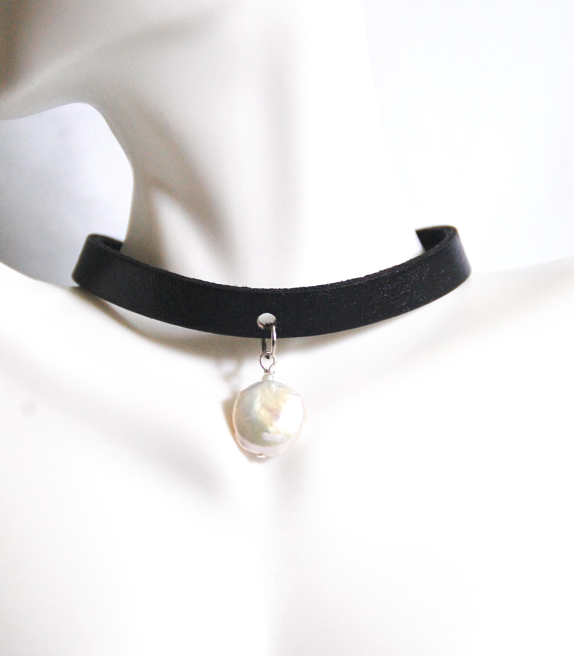 Genuine Leather Choker Necklace With Cultured Fresh Water Pearl Choker  Necklace Leather Necklace  Leather Jewelrycollarfresh Waterpearl Choker