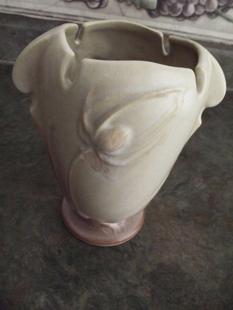 Roseville Teasel Pottery
