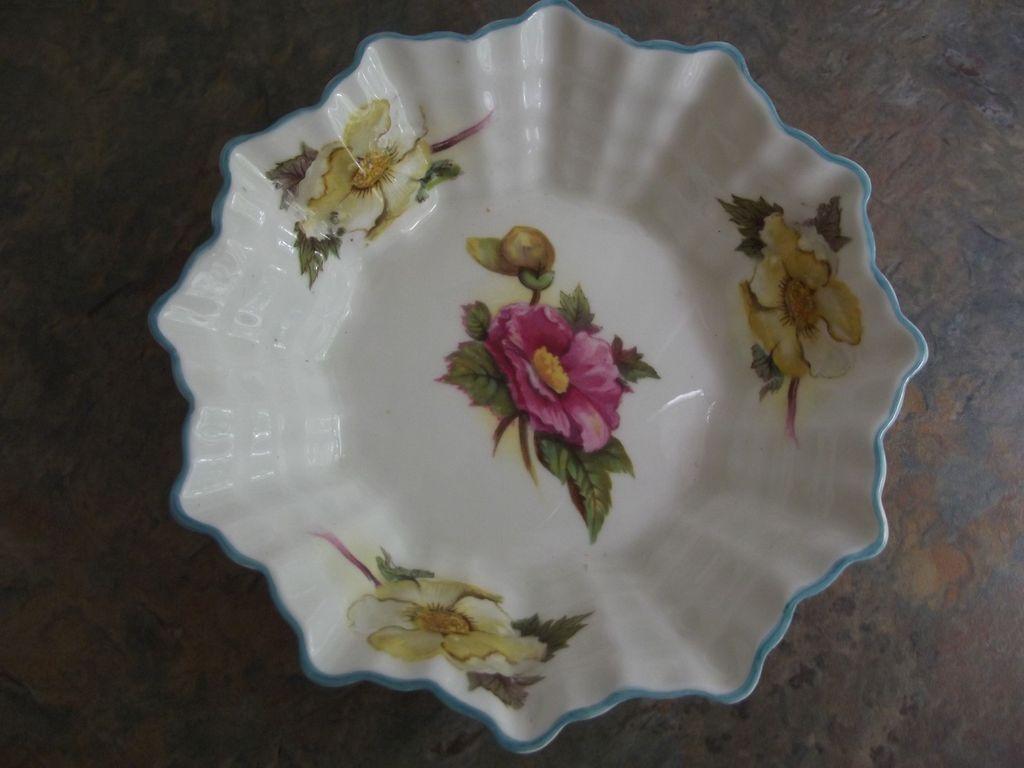 Shelley Begonia Dish