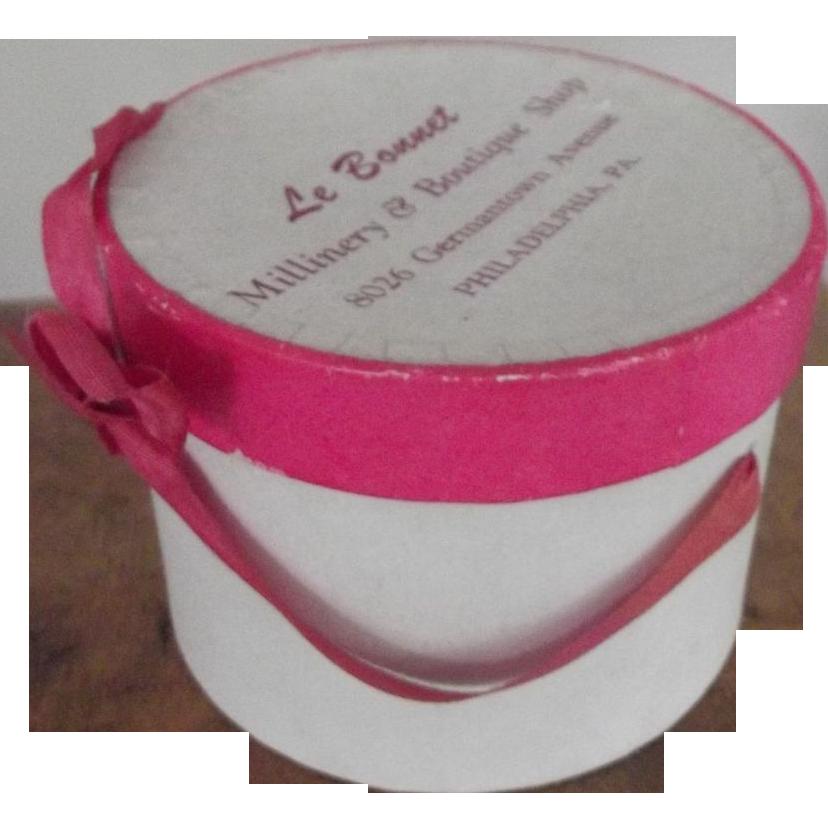 Le Bonnet Miniature or Salesman's Sample Hat Box