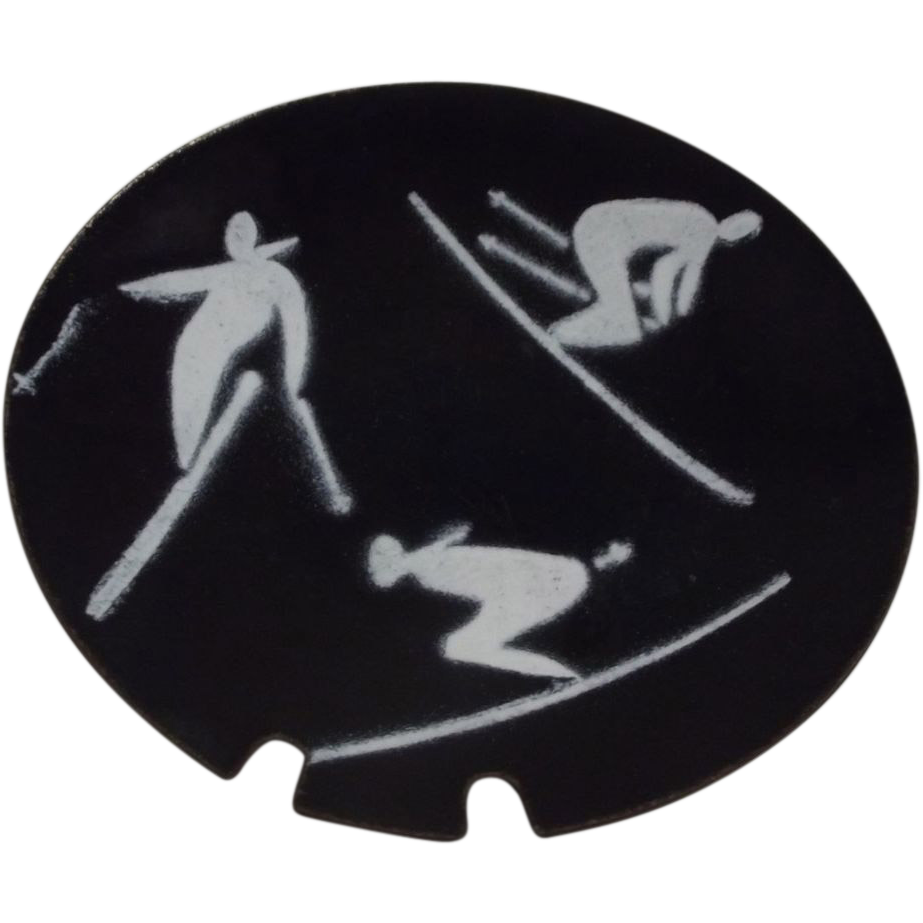 Bovana Modernist Skier Ashtray