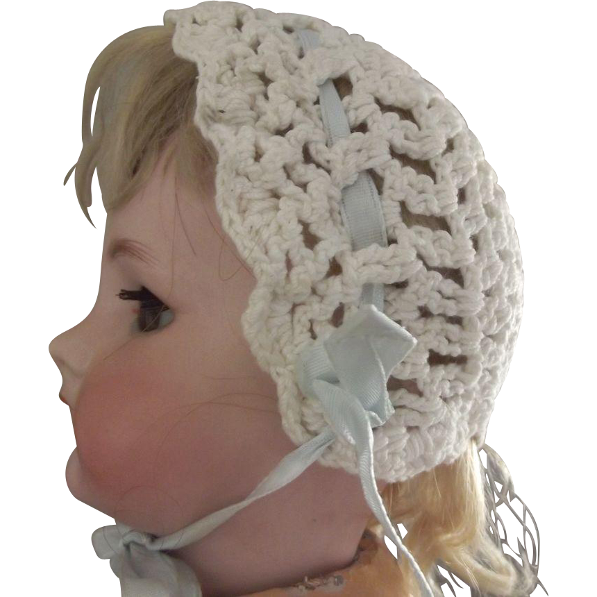 Crocheted Bonnet For Doll