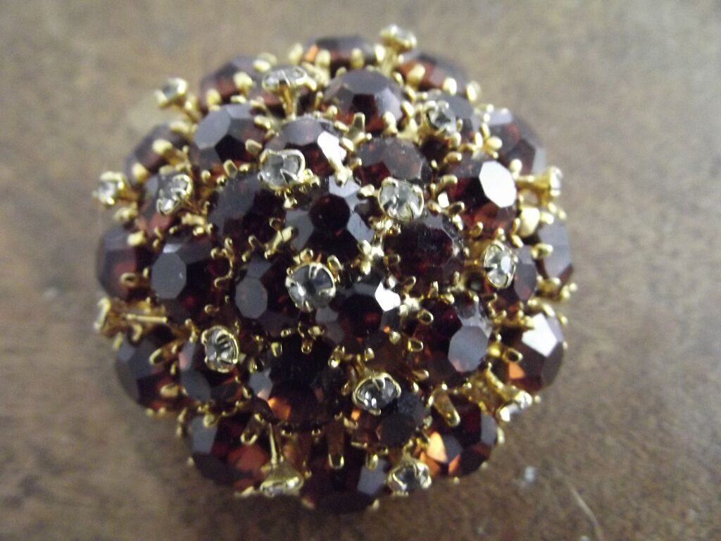 Beautiful Austrian Pin Amber and Clear Rhinestone