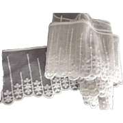 Early Wide Scalloped Edge Lace