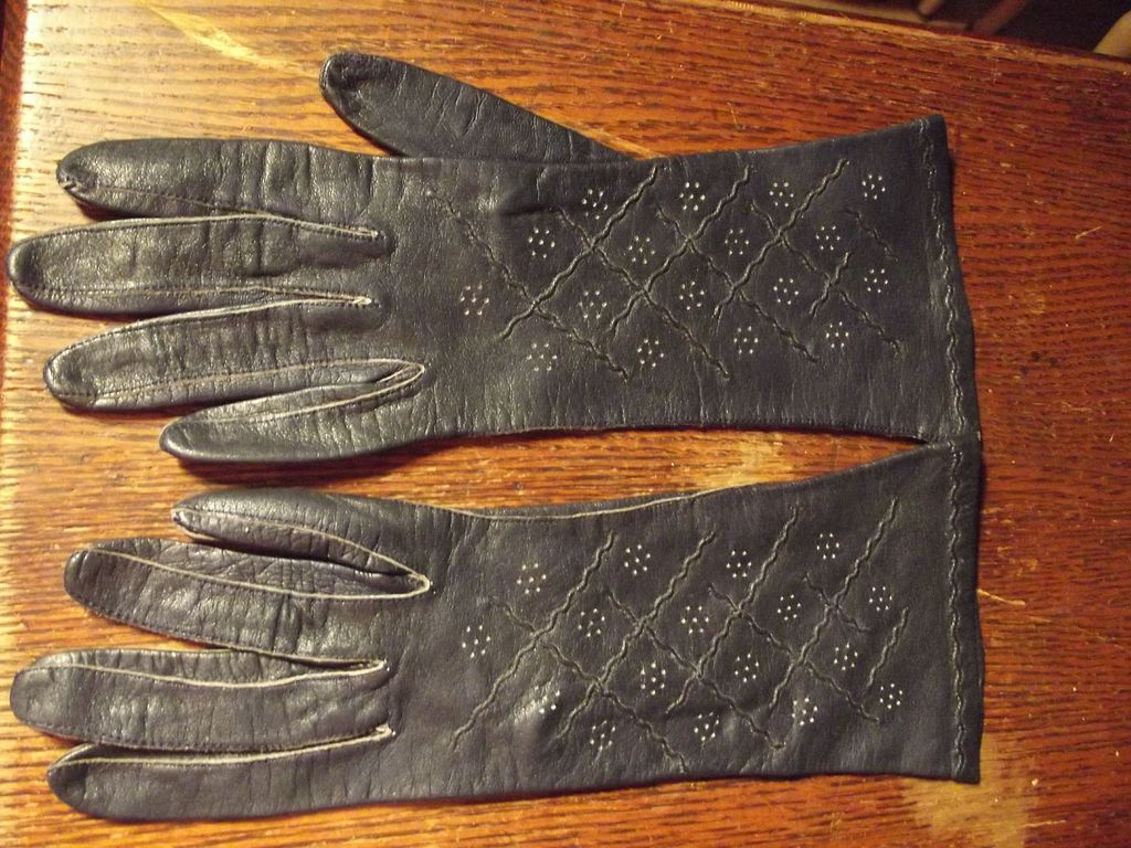 Navy Blue Kid Gloves