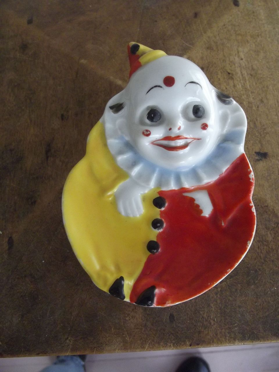 Googly Eyed Clown dish
