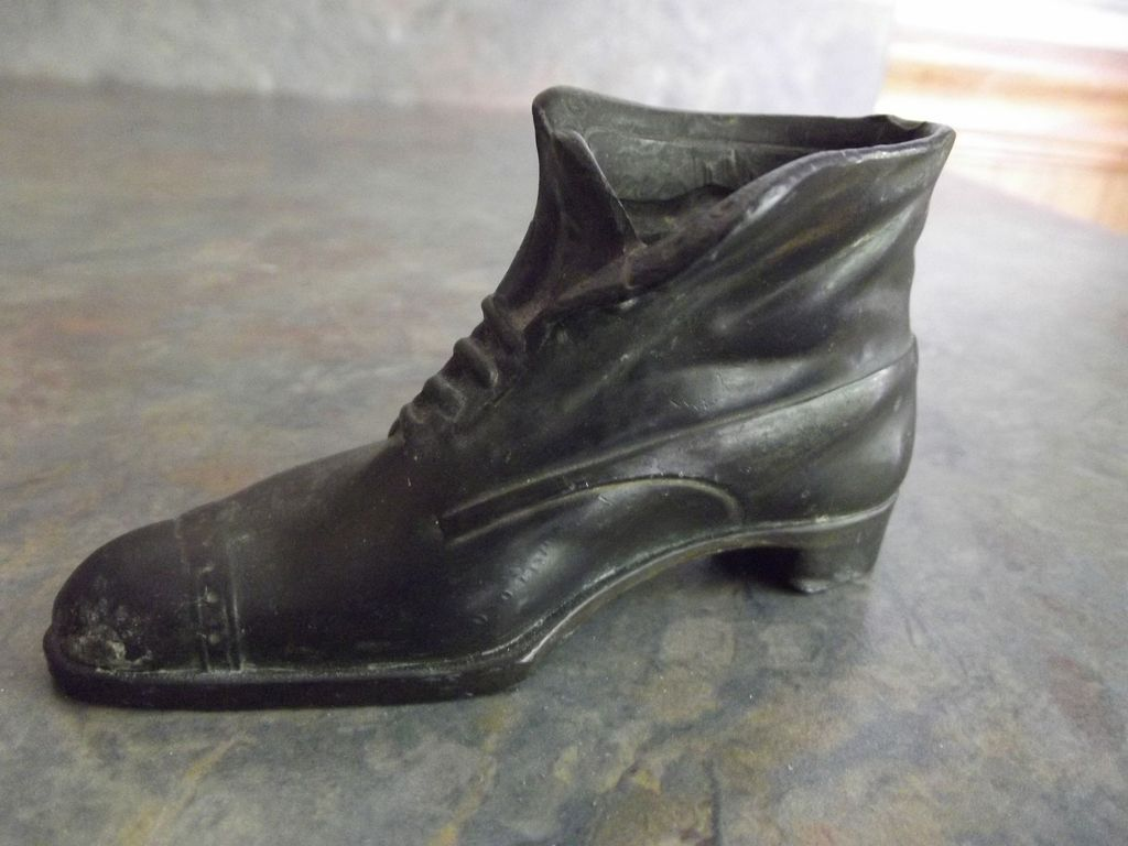 Jennings Brothers Shoe