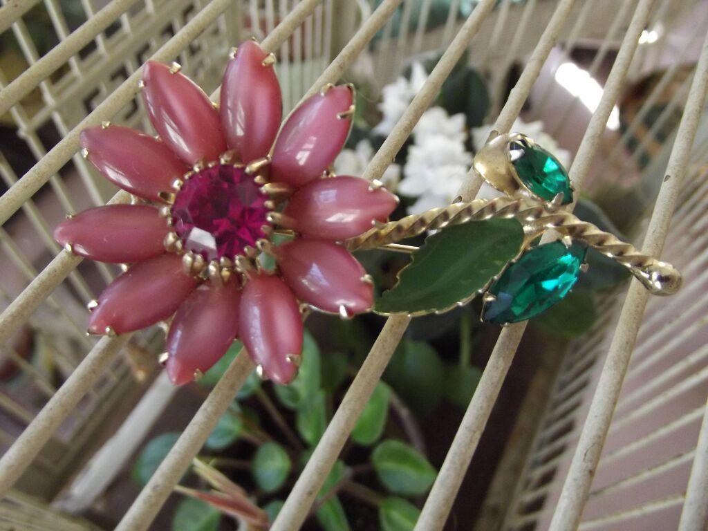 Vintage Pink Flower Pin