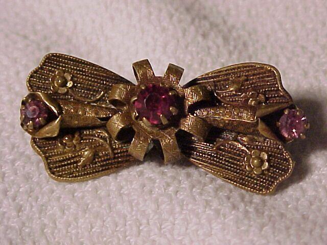 Pretty Victorian Pin