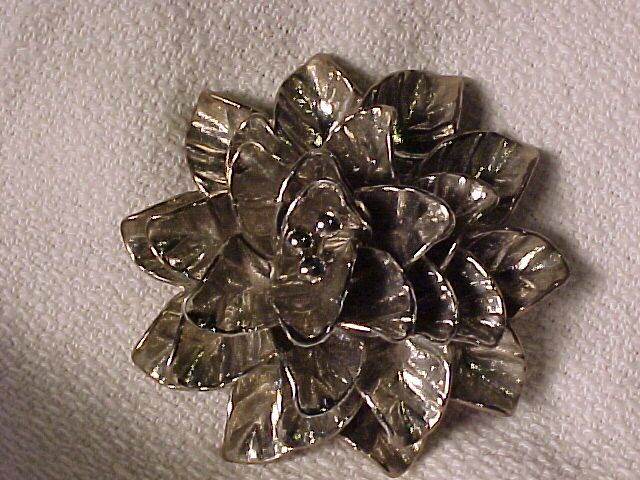 Large Vintage Silvertone Flower Pin